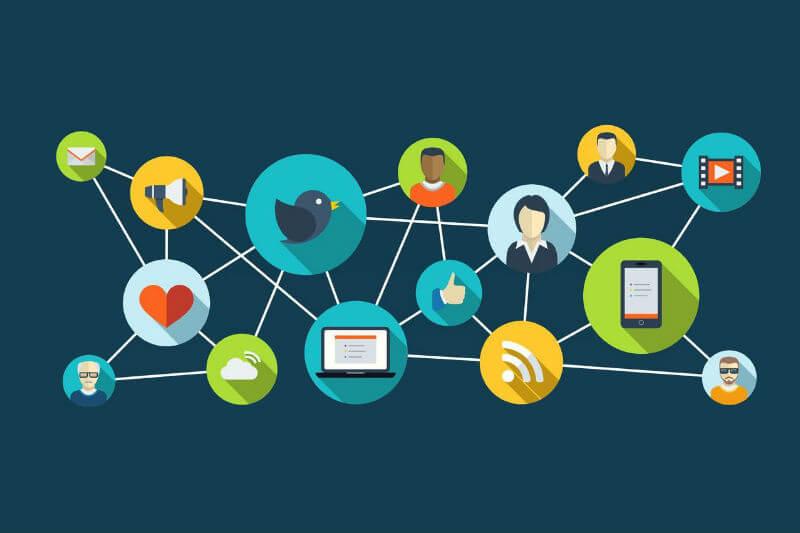 2 Menghubungkan Anda dengan banyak orang di internet